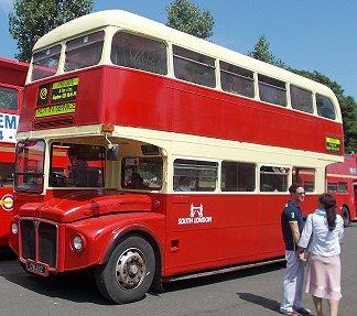 Ian S Bus Stop Rm60 12th July 2014